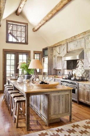 Rustic kitchen with kitchen island breakfast bar for Kitchen ideas zillow