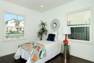 1 Tag Contemporary Guest Bedroom With Hardwood Floors