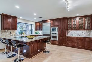 6 Tags Traditional Kitchen With Breakfast Bar Hardwood Floors Glass Panel Kitchen Peninsula High