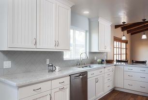 Mid range cottage kitchen design ideas pictures zillow for Mid range kitchen cabinets