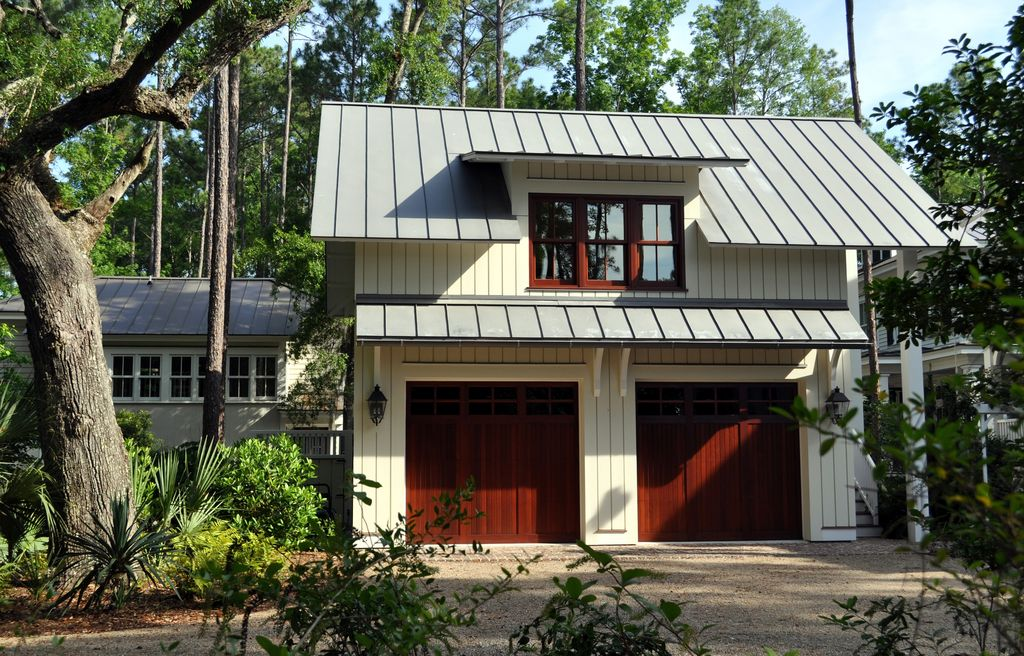 Craftsman Garage With Barn Door By Jane Frederick Zillow