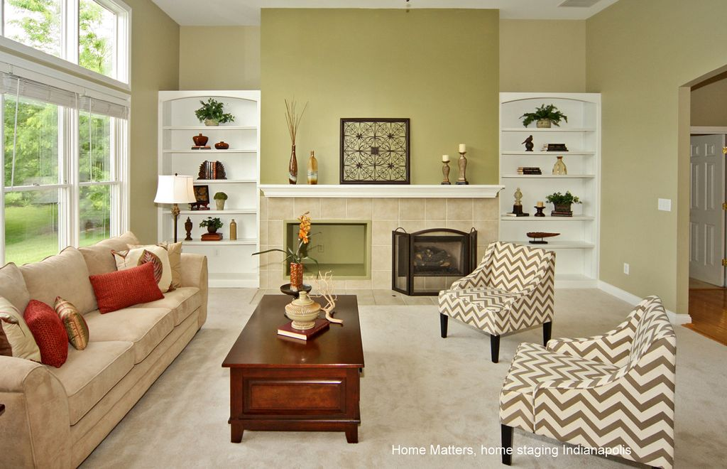 Traditional Living Room with Mini blinds by Home Matters ...