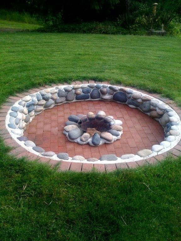 Traditional Landscape/Yard With Red Charcoal Holland Patio Stone, Menards    22 1
