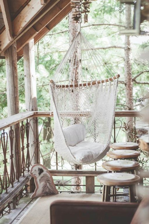 Rustic porch with porch swing by jackie turner zillow - Deco exterieur noel pas cher ...