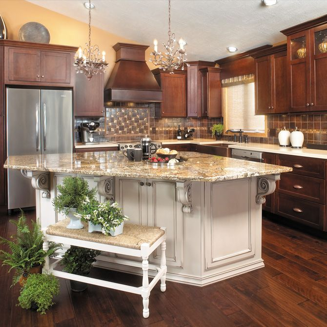 Kitchen Cabinets Usa: Traditional Kitchen With Kitchen Island By Kabinet King