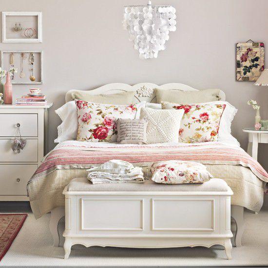 cottage guest bedroom with chandelier carpet zillow. Black Bedroom Furniture Sets. Home Design Ideas