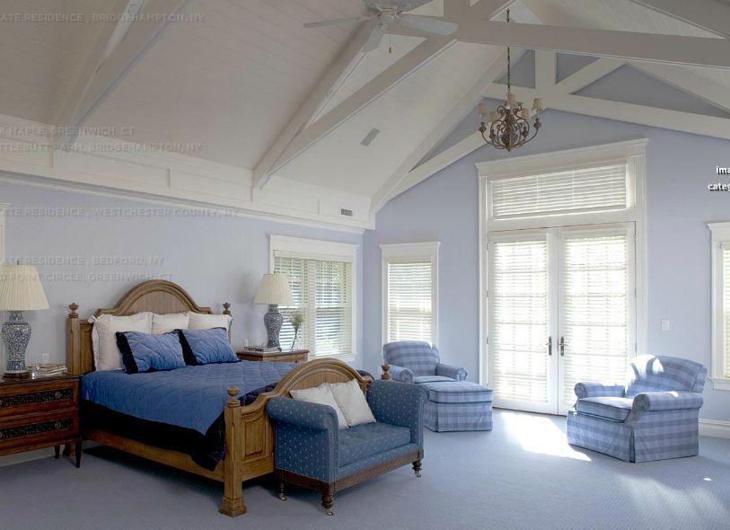 Country Master Bedroom with specialty door & Ceiling fan | Zillow ...
