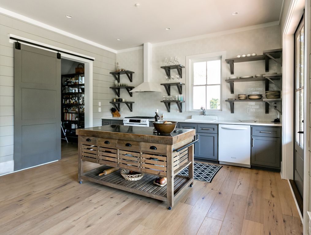 Kitchen Design Ideas - Photos & Remodels | Zillow Digs | Zillow