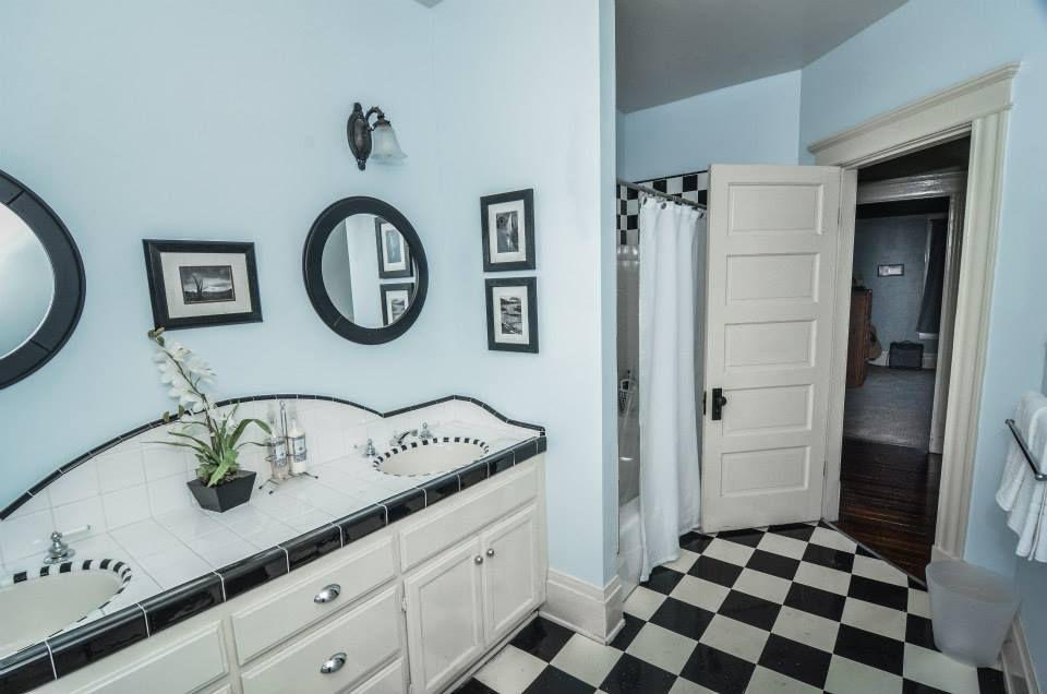 Famous 12X24 Ceramic Floor Tile Tall 2X4 White Ceramic Subway Tile Regular 3D Floor Tiles 4 Hexagon Floor Tile Youthful 4 Inch Hexagon Floor Tile Pink4 X 12 White Ceramic Subway Tile Traditional Full Bathroom With Large Ceramic Tile \u0026 Vinyl Floors ..