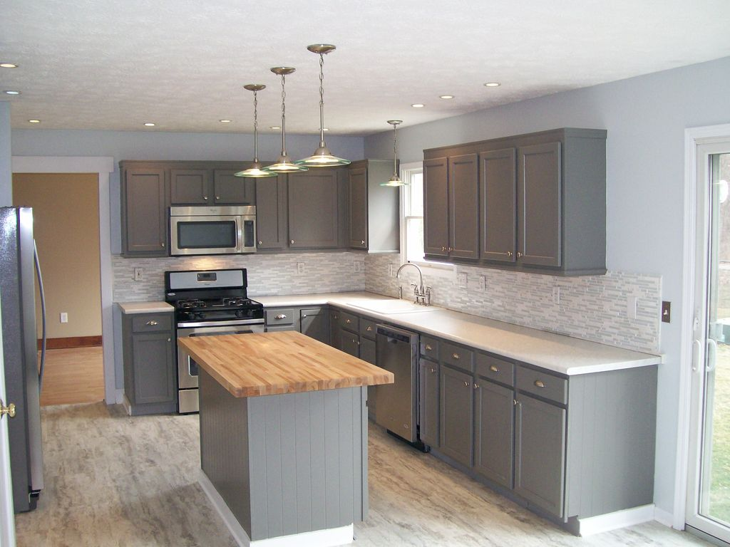 Transitional Kitchen With Flat Panel Cabinets, Ceramic Tile, L Shaped,  Kitchen Island