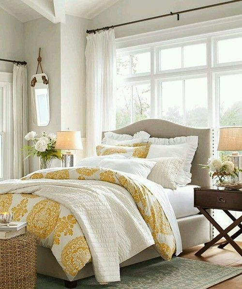 Contemporary master bedroom with exposed beam hardwood - Toile chambre adulte ...