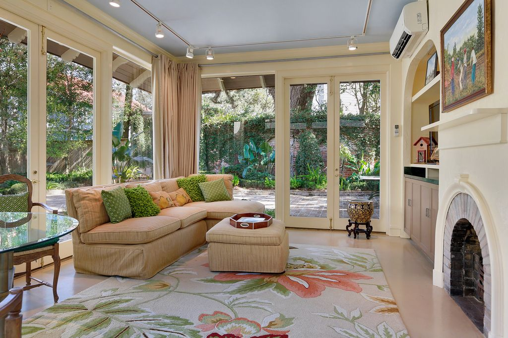 Traditional Living Room with Raised beds & Fence in NEW ORLEANS, LA ...