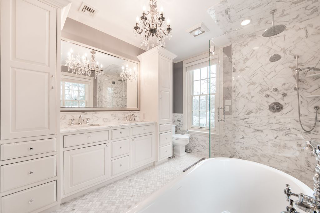 Traditional master bathroom zillow digs zillow for Marble master bathroom designs