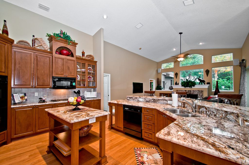 Country Kitchen With Stone Tile Complex Granite Counters White Spring Countertop Stonemark