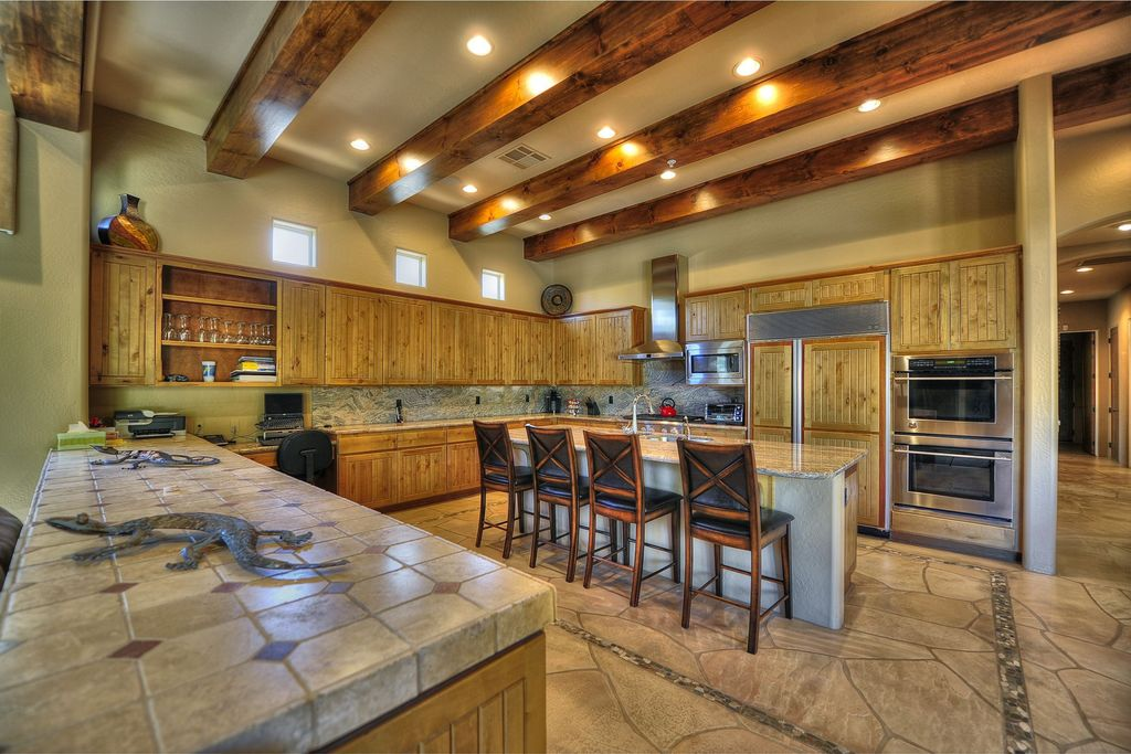Rustic Kitchen With Breakfast Bar Exposed Beam In Scottsdale Az Zillow Digs Zillow