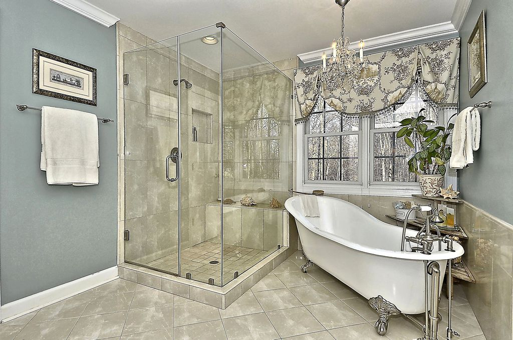 Traditional Master Bathroom With Clawfoot Bathtub Master