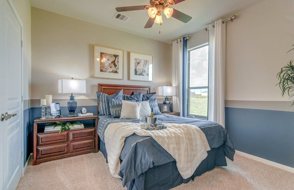 Guest Bedroom with High ceiling & Ceiling fan | Zillow Digs | Zillow