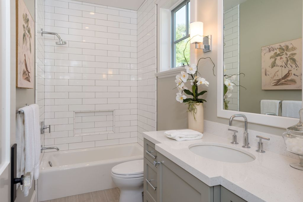 5 tags Traditional Full Bathroom with Frost White Quartz  Clayhaus Ceramics  2 x8  Classic Field. Bathroom Design Ideas   Photos   Remodels   Zillow Digs   Zillow