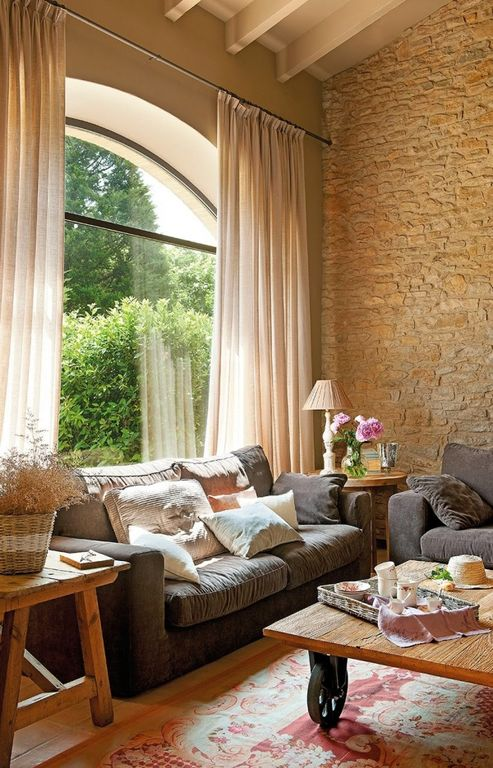 Eclectic living room with arched window exposed beam - Cortinas para casas rusticas ...