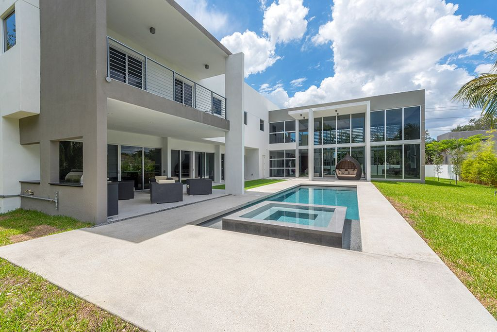 Modern Exterior Of Home Design Ideas & Pictures | Zillow Digs | Zillow