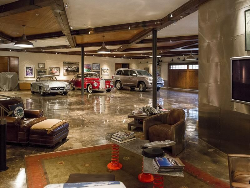 Eclectic Garage With Columns Amp Exposed Beam Zillow Digs