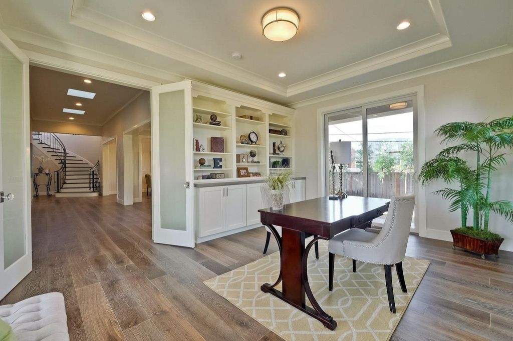 Traditional home office with crown molding built in bookshelf flush - Home Office With Hardwood Floors Amp Built In Bookshelf In