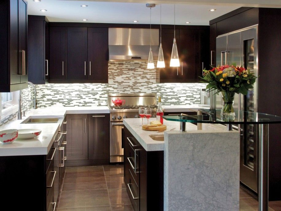 Contemporary Kitchen With U Shaped, Thermador Built In Wine Preservation  Column, Thermador