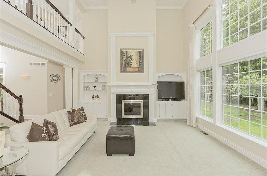 Contemporary Living Room With Built In Bookshelf Balcony In Solon Oh Zillow Digs Zillow