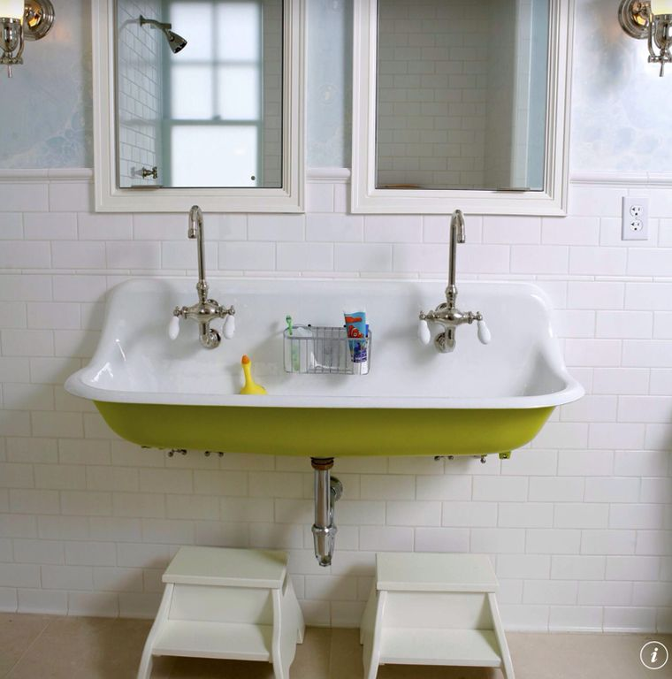 Traditional Kids Bathroom With Wall Mounted Sink, Wall Sconce, Kids Bathroom