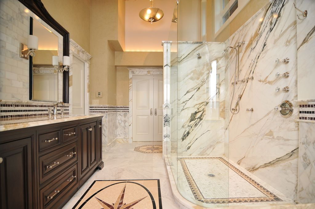 Traditional Master Bathroom With Flush By Signature Design Zillow Digs Zillow