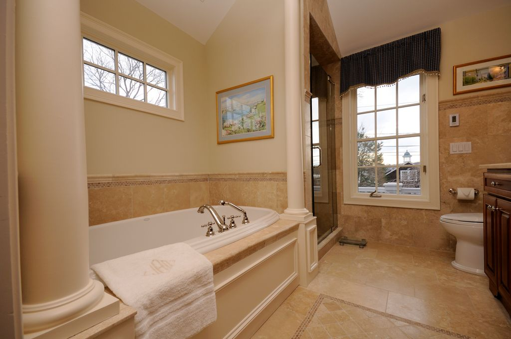 traditional master bathroomeddie day | zillow digs | zillow