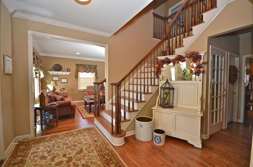 Traditional Entryway With Traditional Area Rug Amp Oak