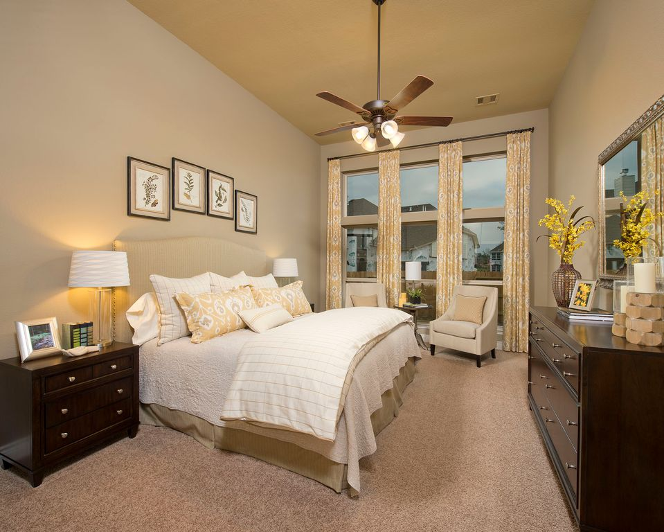 Traditional Master Bedroom In New Braunfels Tx Zillow Digs Zillow