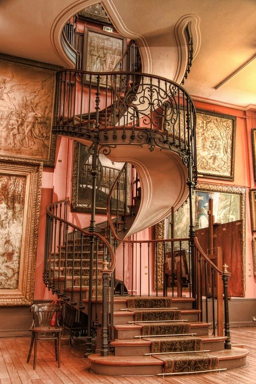 Traditional Staircase With Hardwood Floors, Custom Curved Staircase, High  Ceiling, Spiral Staircase