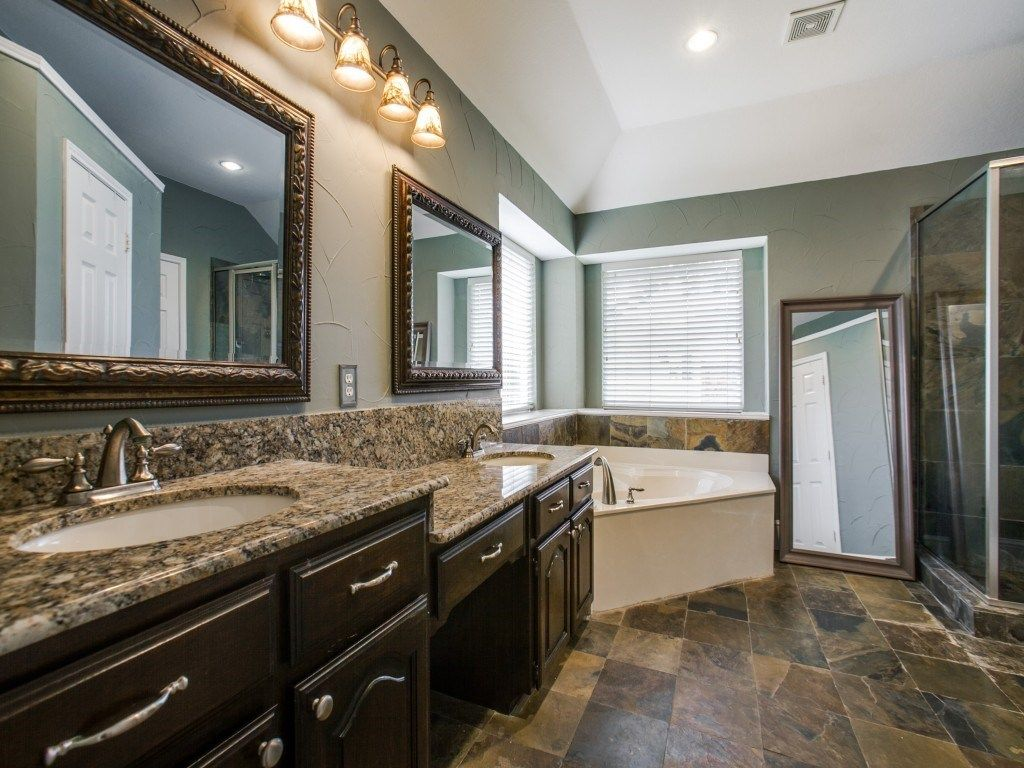 Craftsman Full Bathroom in ALLEN, TX | Zillow Digs | Zillow