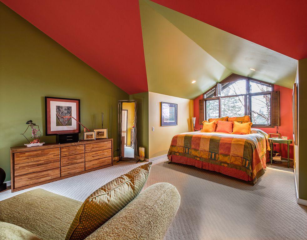 Eclectic Master Bedroom In Bellevue Wa Zillow Digs Zillow