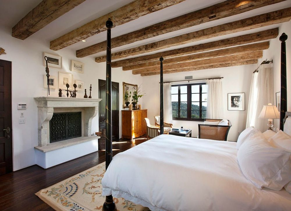 Mediterranean Master Bedroom With High Ceiling Hardwood Floors Zillow Digs Zillow