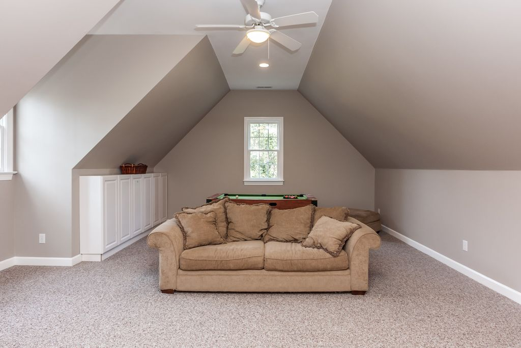 3 tags Traditional Attic with flush light, 52