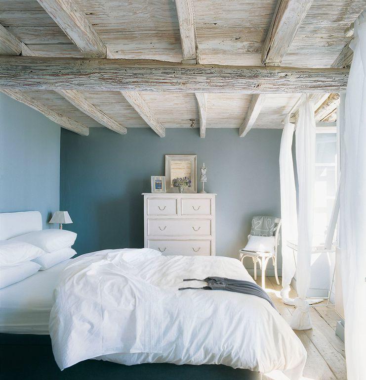 Rustic Master Bedroom With Exposed Beam Hardwood Floors Zillow Digs Zillow