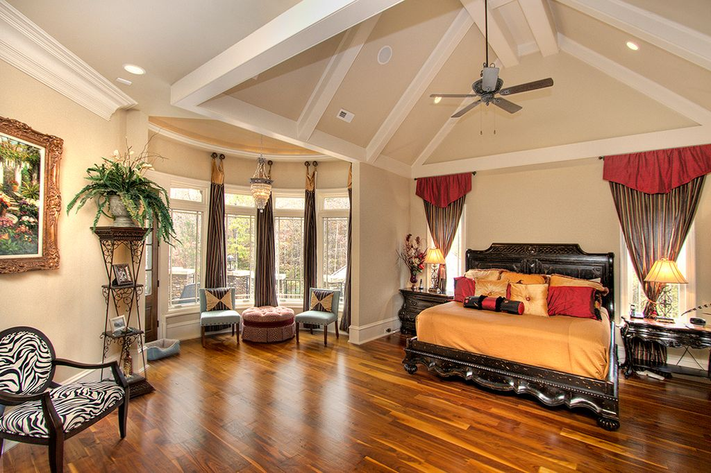 Traditional Master Bedroom With Cathedral Ceiling Crown Molding In Weddington Nc Zillow