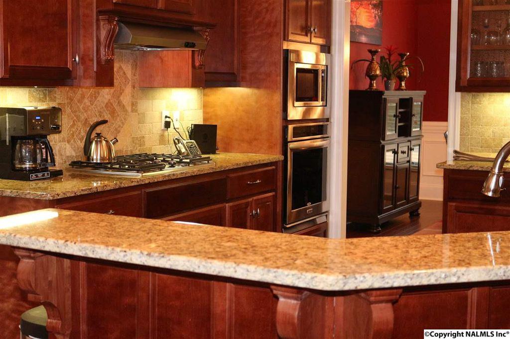 Traditional Kitchen With Stonemark Granite 3 In Countertop Sample Solaris