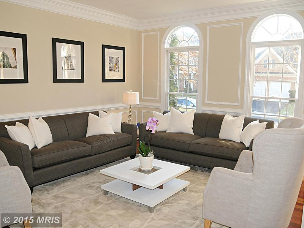 Enchanting Crown Molding In Living Room Motif - Living Room Design ...