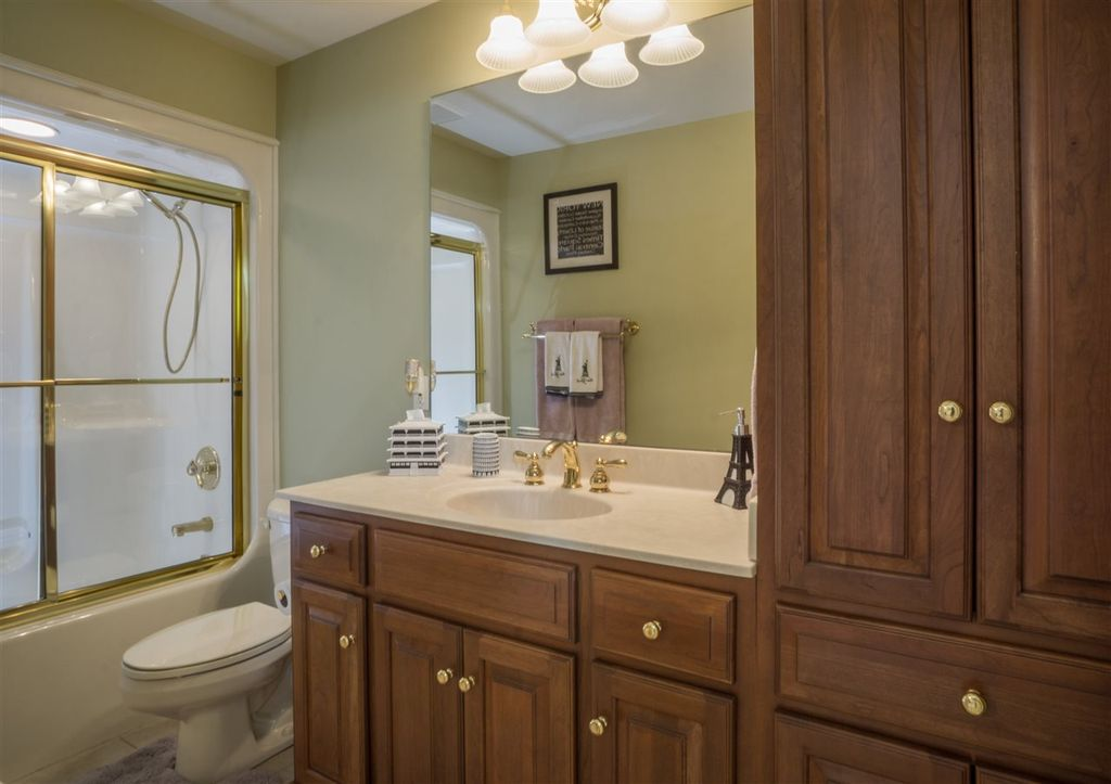 Craftsman Full Bathroom In Granger In Zillow Digs Zillow