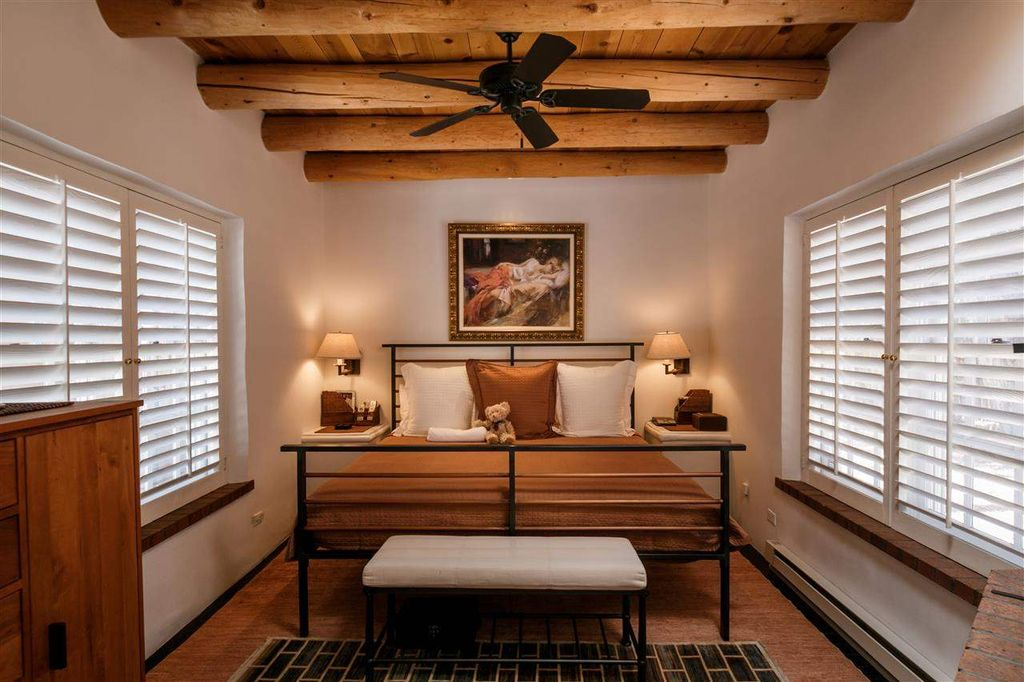 Master Bedroom Fan Traditional Master Bedroom With Simple Luxury 300 Tc Egyptian Cotton Solid