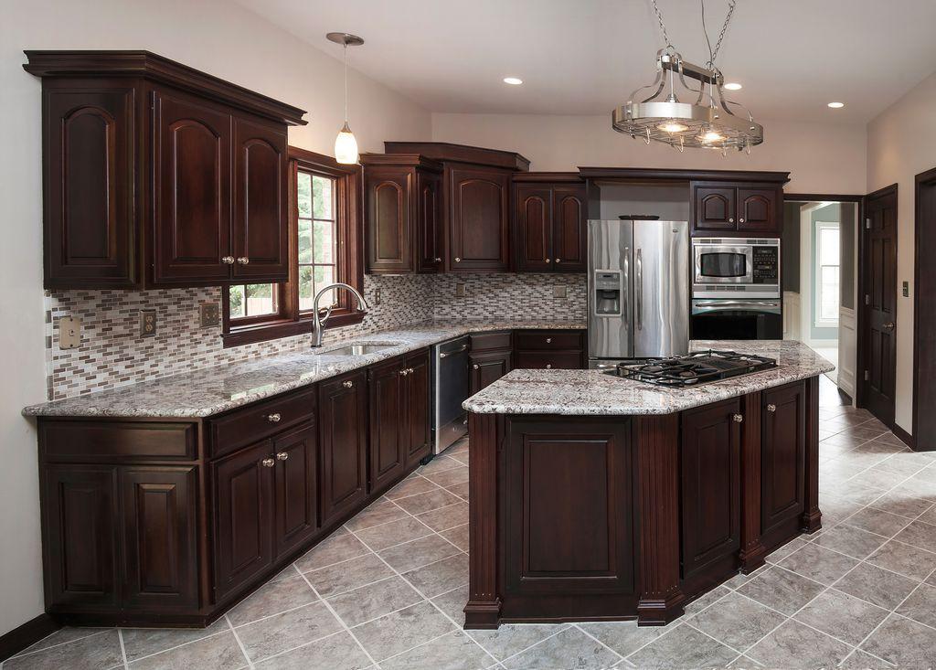 Craftsman kitchen with pendant light kitchen island in for Kitchen ideas w2 5sh