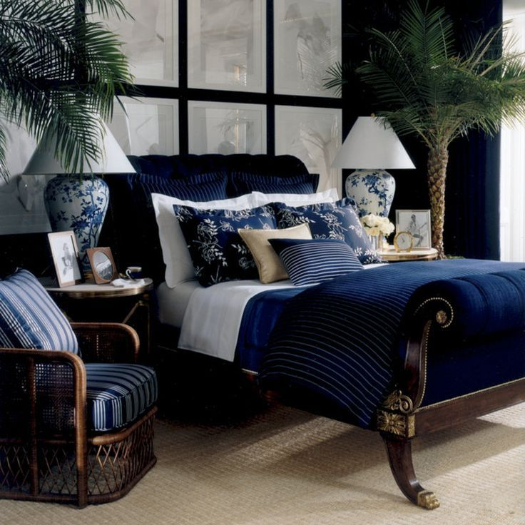 Incroyable Traditional Master Bedroom With Ralph Lauren Rue Royal Bed, GLD2 White  Frame, Carpet,