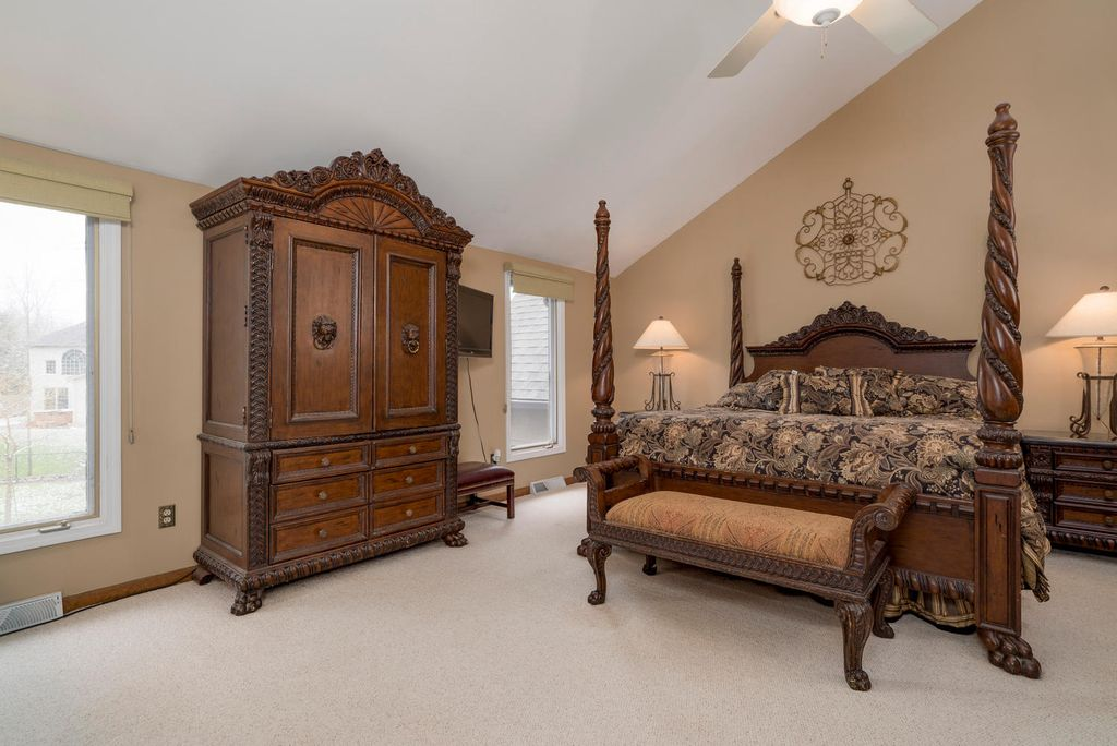 Traditional master bedroom in east amherst ny zillow digs zillow