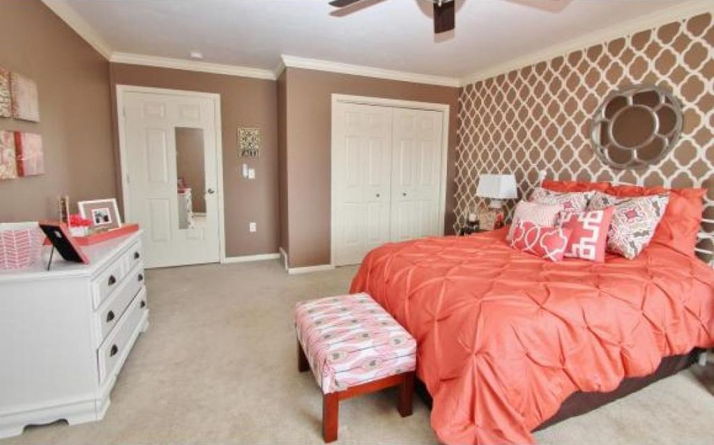 traditional kids bedroom with crown molding ceiling fan interior wallpaper built in - Traditional Kids Room Interior