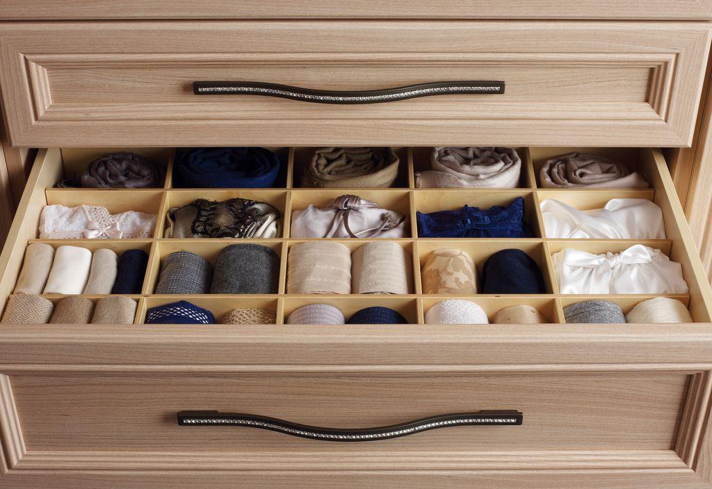 closet with california closets cubby divider - California Closet