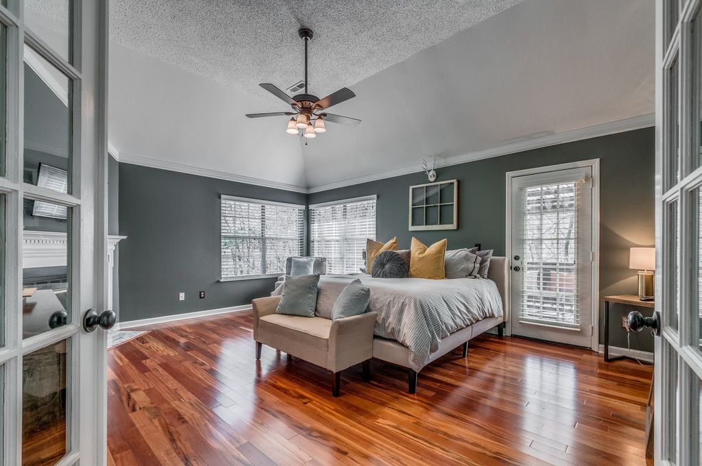 master bedroom with hardwood floors metal fireplace in nashville tn zillow digs zillow. Black Bedroom Furniture Sets. Home Design Ideas
